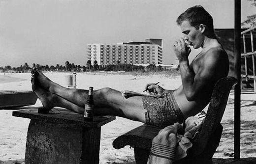Hunter S. Thompson in shorts